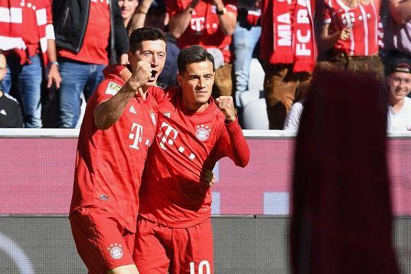 Bayern Munich 4-0 Cologne: Lewandowski và Coutinho rực sáng